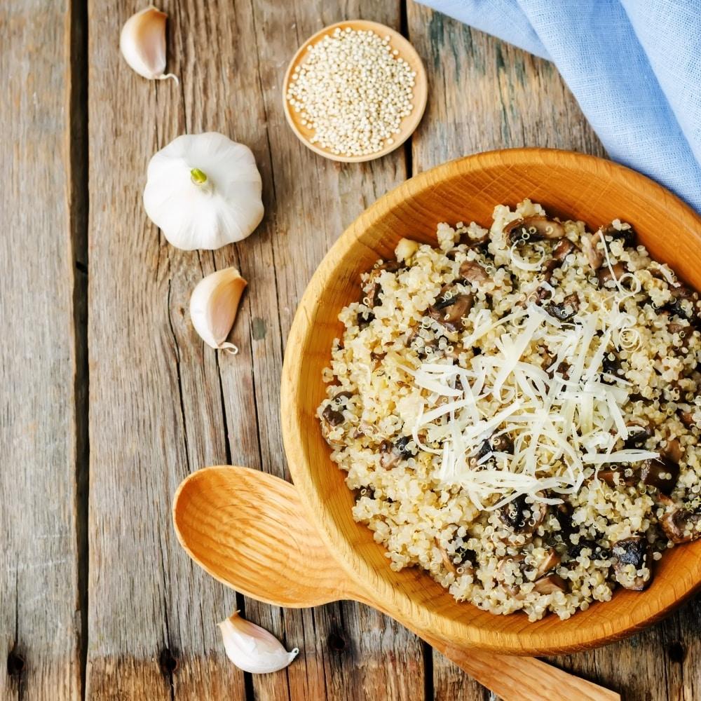 Quinoa con champiñones y jamón