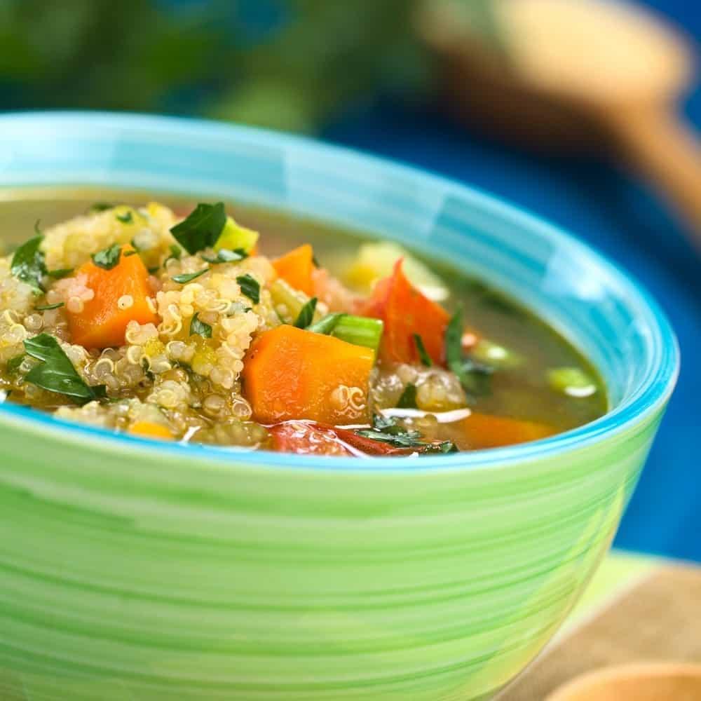 Receta de sopa de verduras y quinoa