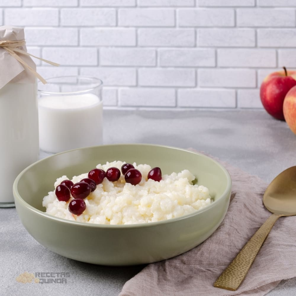 Arroz con leche, quinoa y frutos rojos