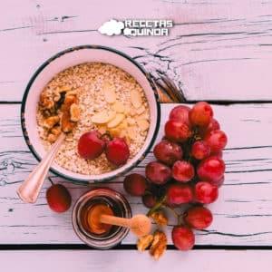 Copos de quinoa y compota de frutos rojos